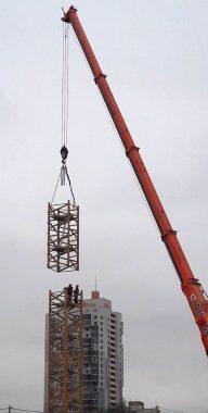 Монтаж грузоподъемного оборудования Услуги sekcija-kollony-192x380